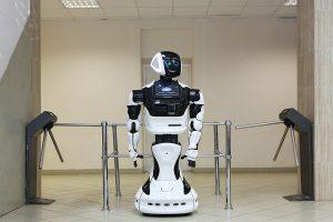 В Перми робот побежал с марафонцами