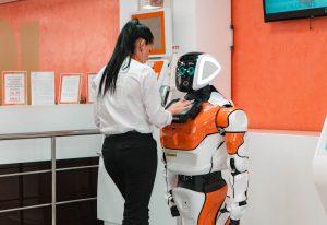 Госслужащие 4.0. Какие должности занимают роботы на службе у разных государств