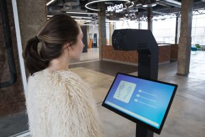 Promobot разработал терминалы, которые помогут в профилактике коронавируса. Их планируют установить в общественных местах по всей стране