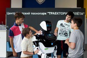 В Promobot создали первую в мире диалоговую систему для робота. Она может работать офлайн